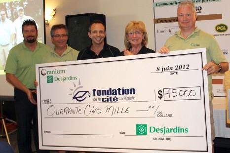 L'Omnium Desjardins récolte 45 000 $ pour les étudiants