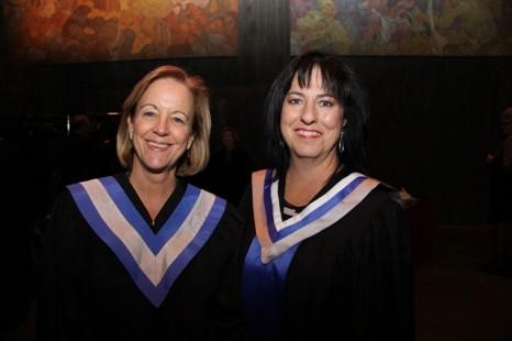La Cité décerne plus de 350 diplômes