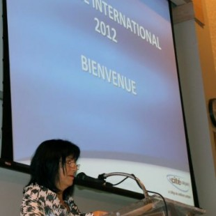 Lise Bourgeois inaugure le colloque international