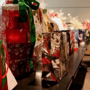 Des paniers cadeaux pour aider les étudiants dans le besoin