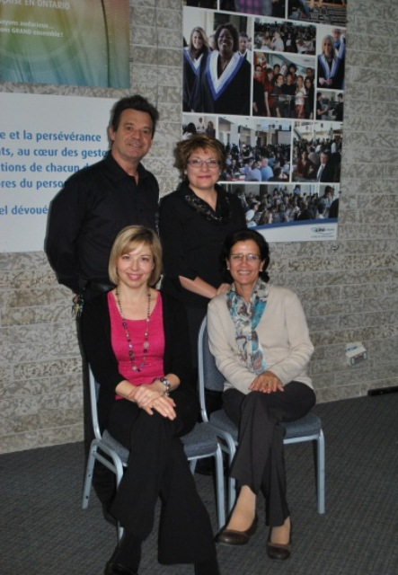 Arrière: Guy Grimard, Annie Coutu, Avant: Nathalie Méthot, Geneviève Lecordier