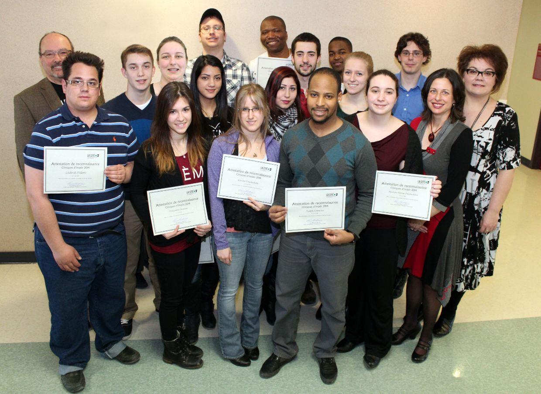 L'équipe d'étudiant et de professeur qui ont offert les clinics d'impot à La Cité