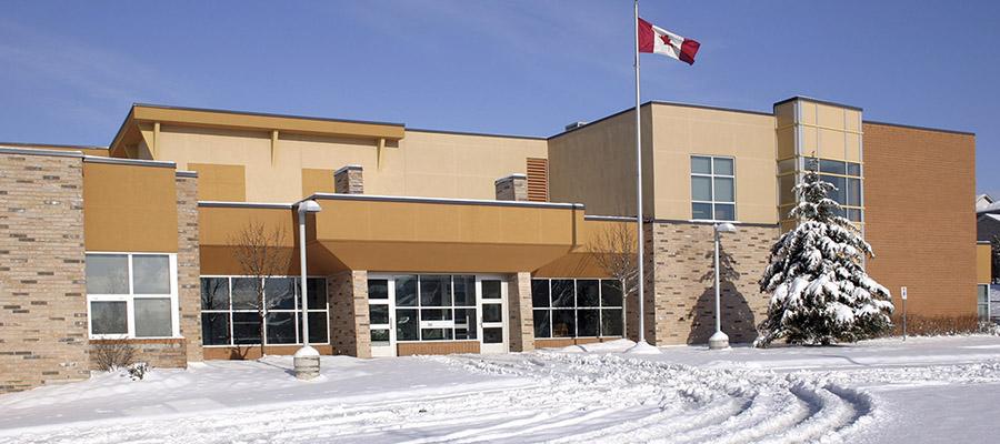 photo d'une école en hiver