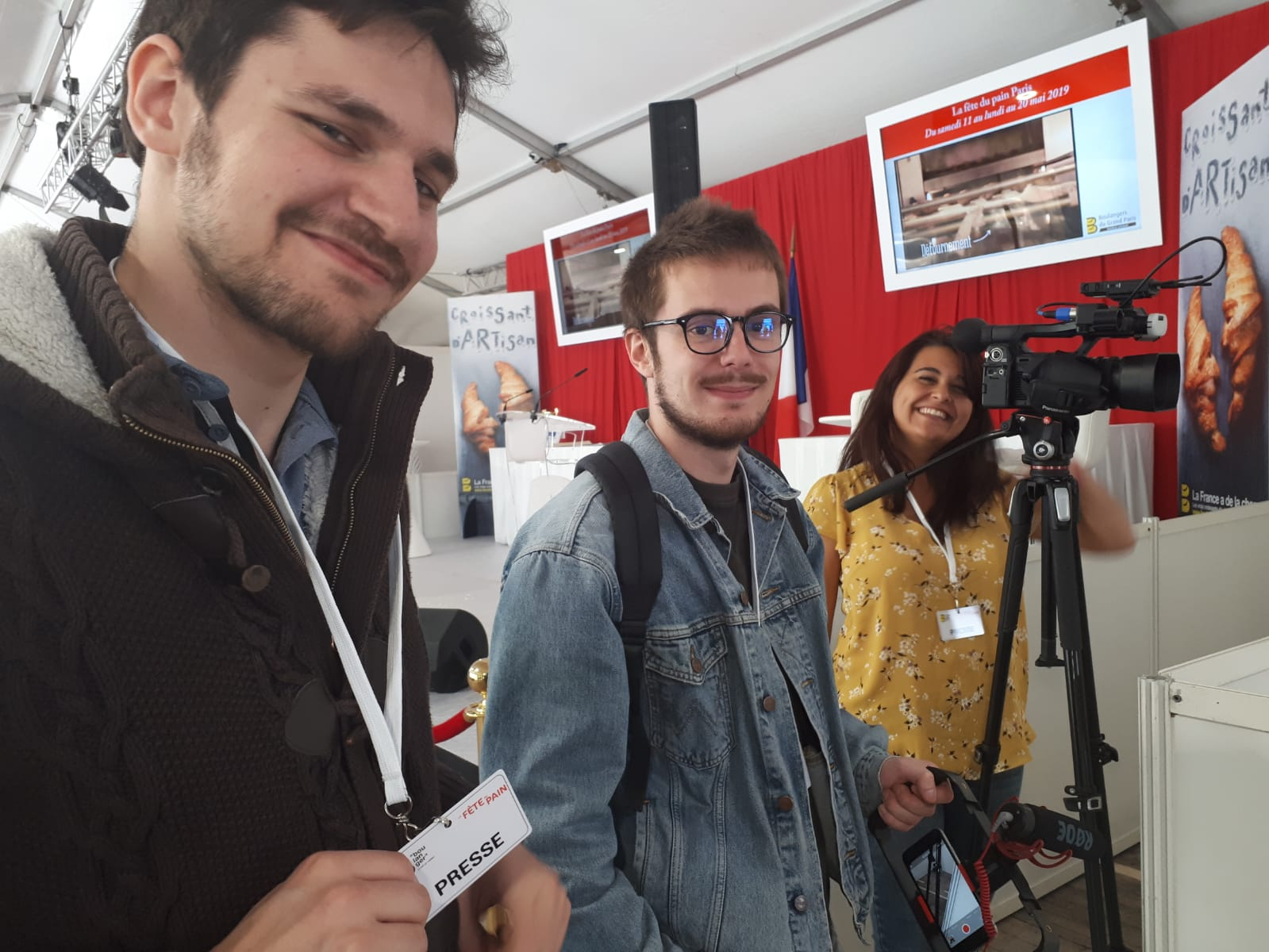 Des étudiants en journalisme de la Celsa-Sorbonne Université.