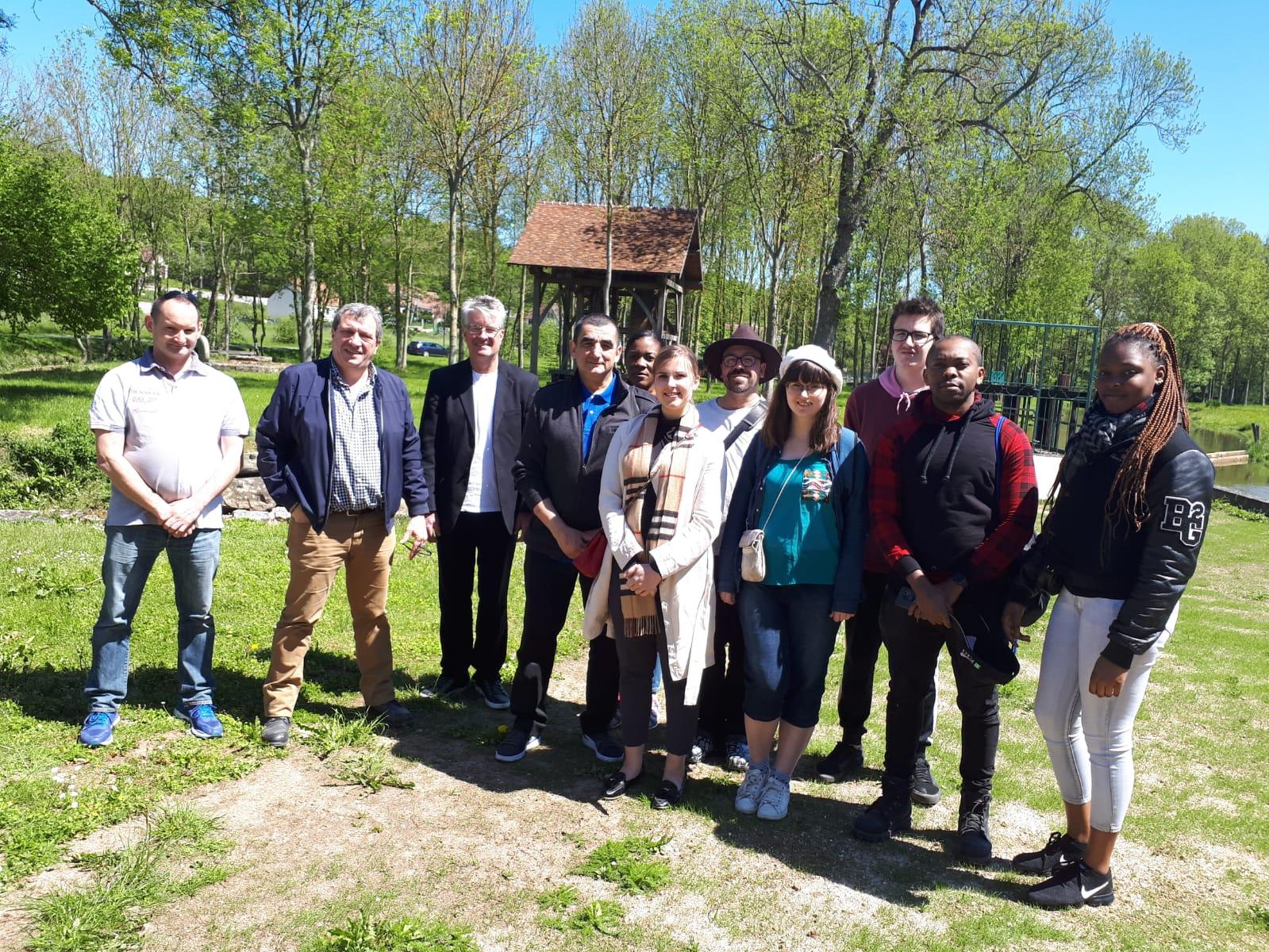 Visite d'un moulin en France par les étudiants et les chefs de La Cité.